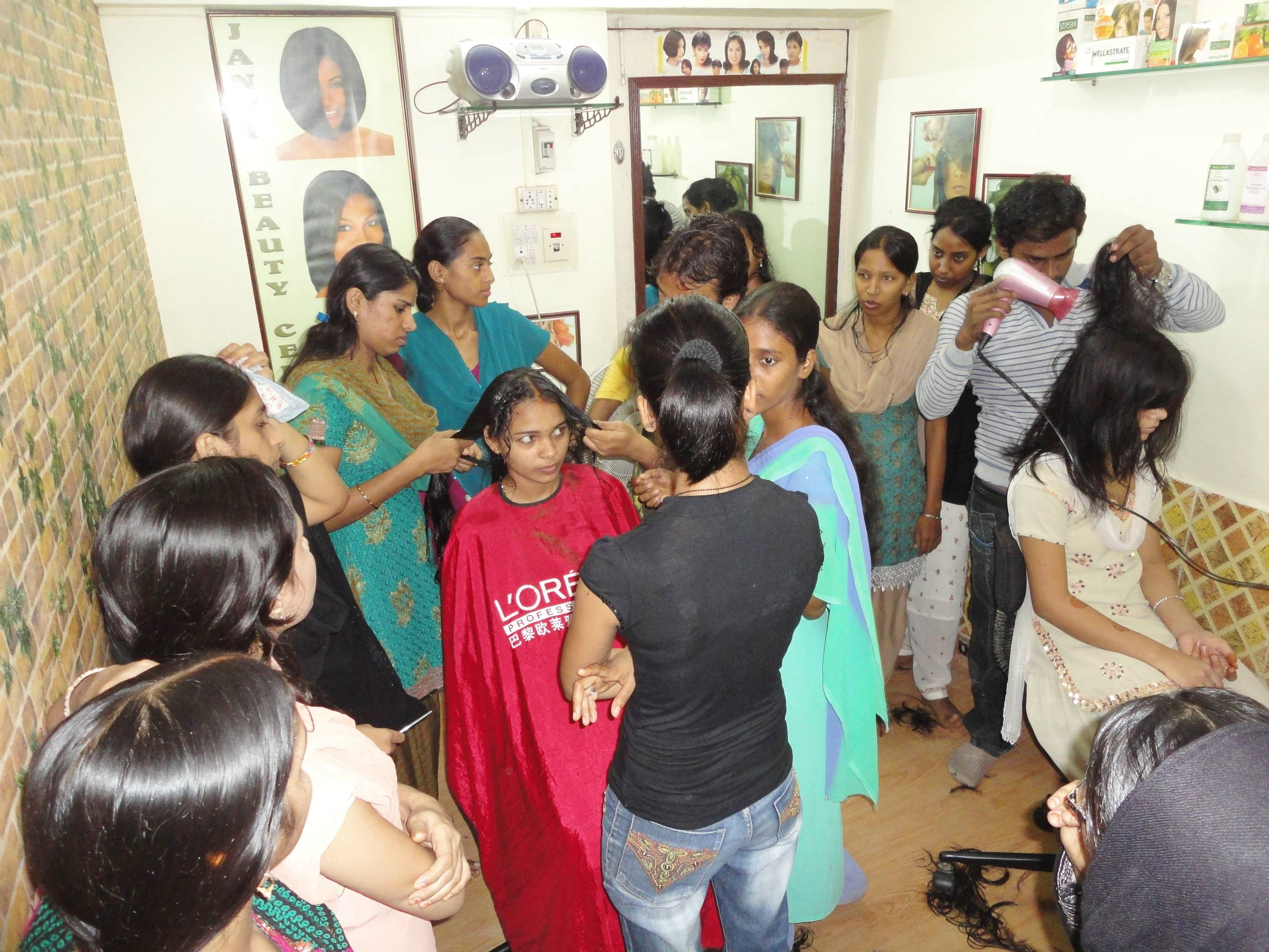 Beautician Course – Janvi Charitable Trust